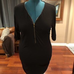 3/4 sleeved zippered tunic